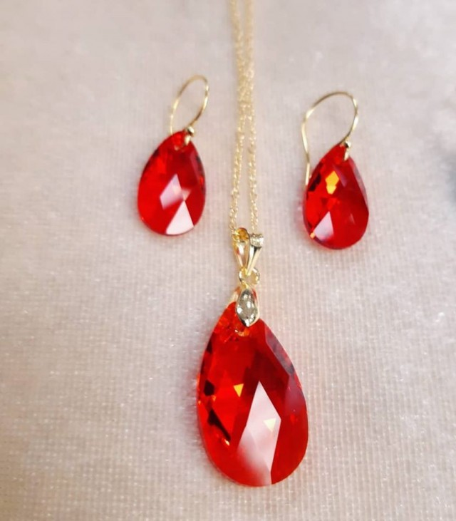 Discounted Genuine Swarovski Crystal Red Set